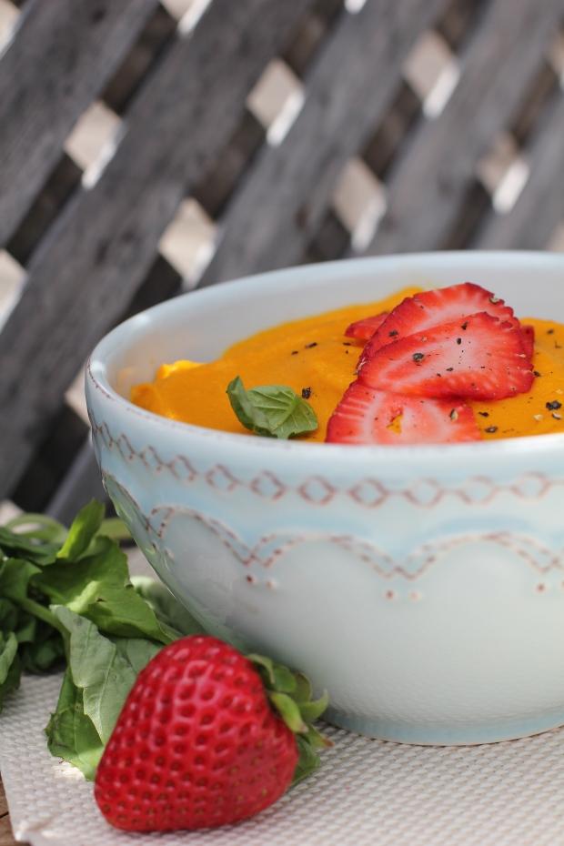 Simplywholefoods_SweetStrawberry&BasilPuree